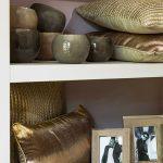 formateks-dekoracija-zlatni-jastuci-3